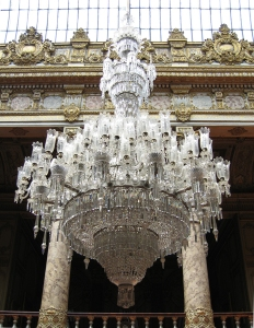 biggest-vintage-chandeliers_4